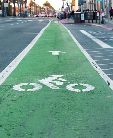 Road Rules 101: Turning right across a bike lane - Pemco com